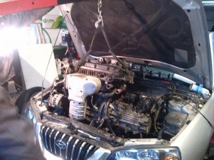 发动机维修